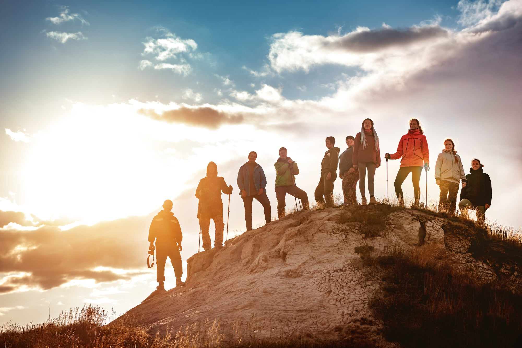 10 expedition contestants